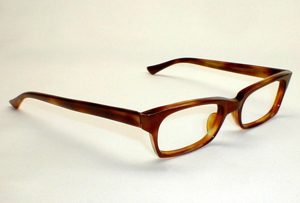 mens vintage eyeglasses occhiali optometrist basement