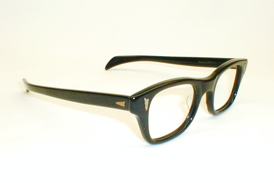 THICK BLACK EYEGLASSES - EYEGLASSES