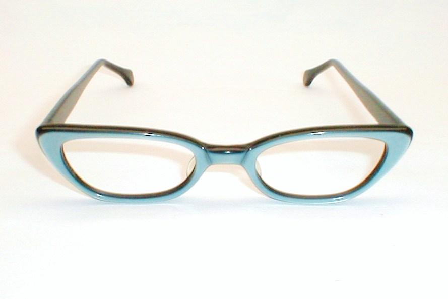 Vintage Womens Eyeglasses, Cats Eye Frames Black and White